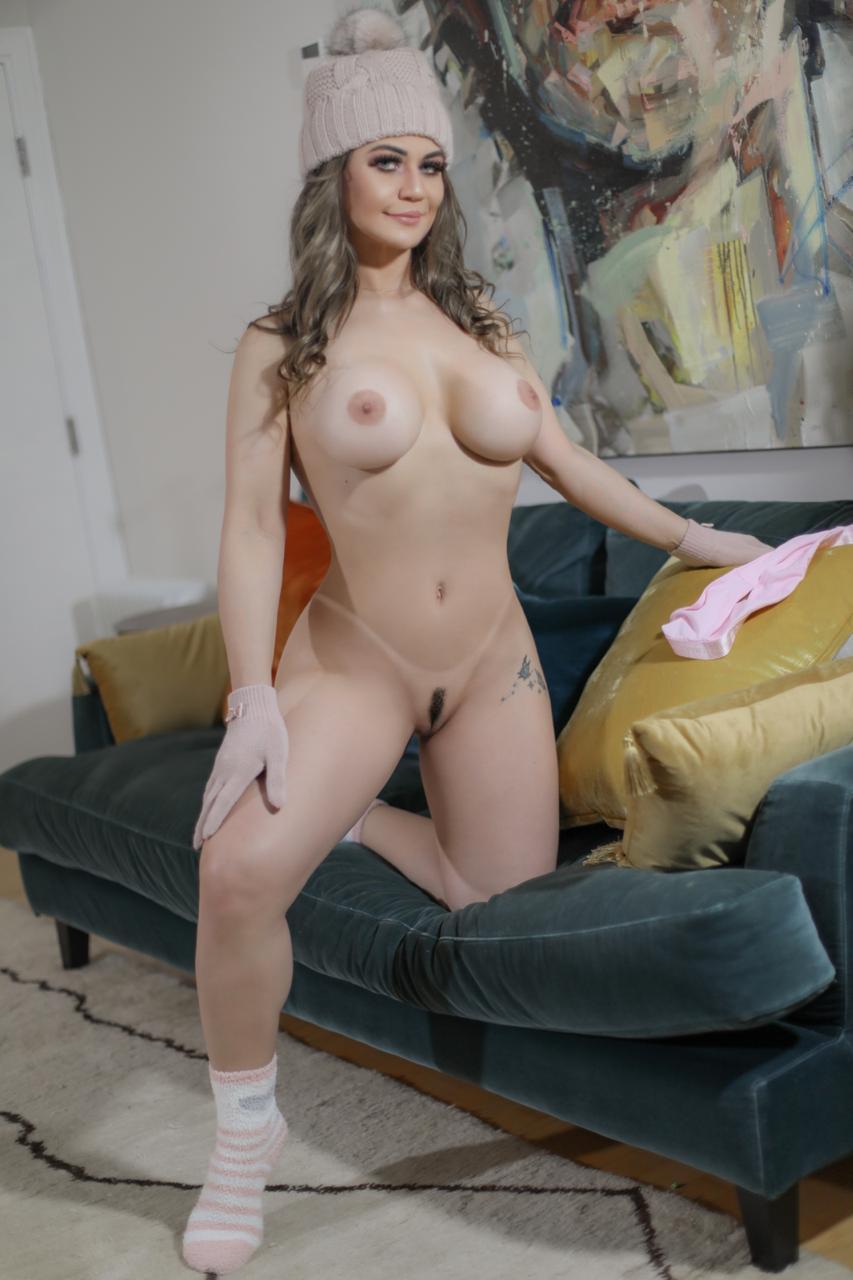 Sarah (17)