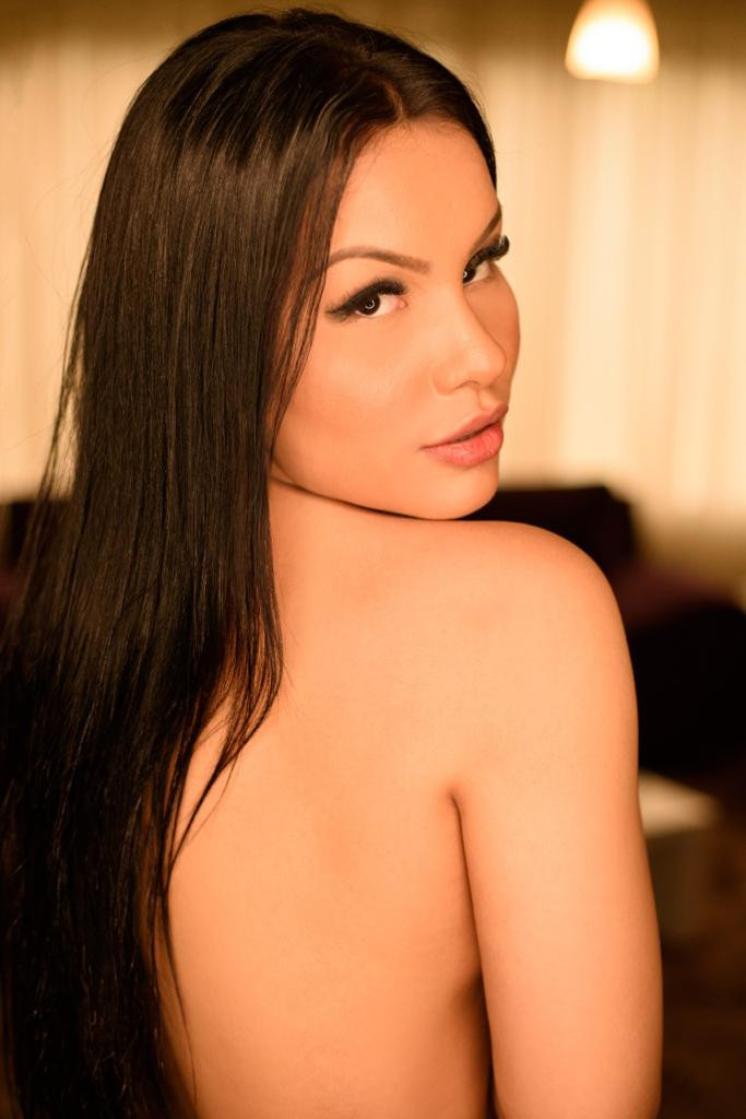 Manuela (2).jpeg