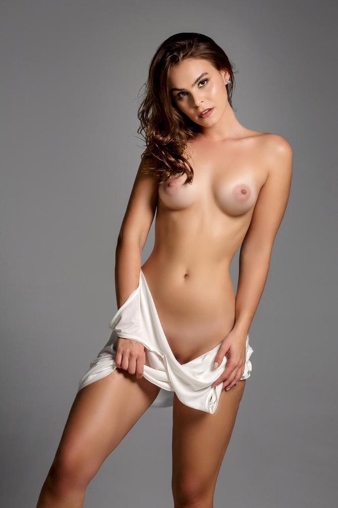Gabrielle (28)