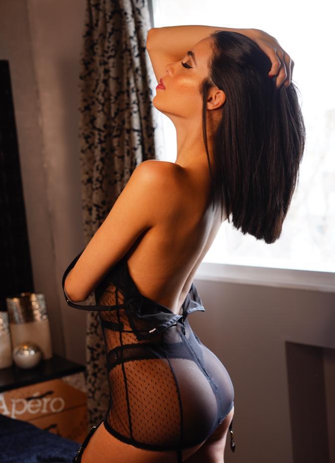 Cindy (40)
