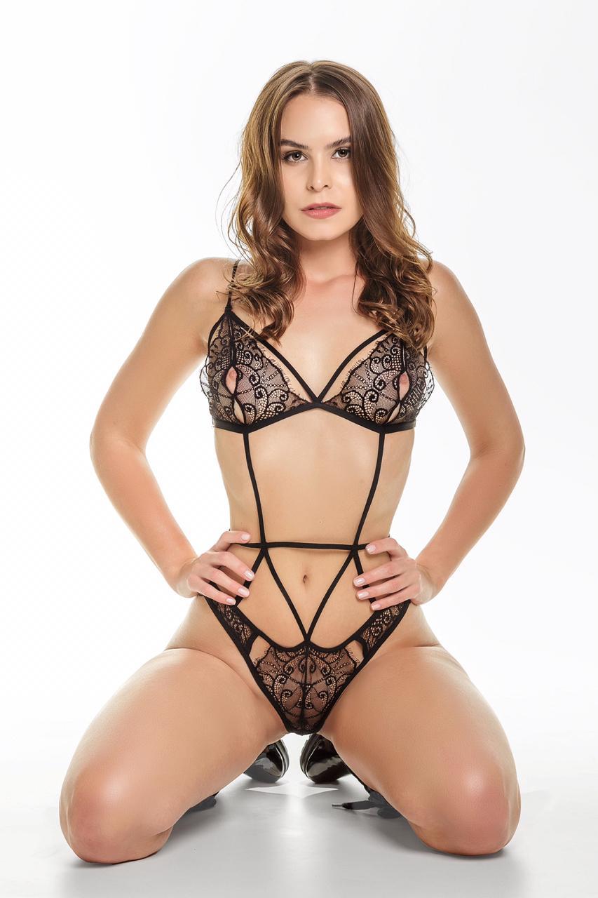 Gabrielle (31)