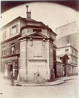 Eugène Atget, Fontaine des Haudriettes, angle rue des Archives et rue des Haudriettes, 3e arr, 1901 - Musée Carnavalet, Paris | Le Musée Virtuel du Vin - The Virtual Wine Museum