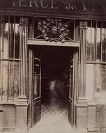 """Eugène Atget, """"Au Bacchus"""", cabaret, 58 rue de Caumartin, 9e arr., 1913 - Musée Carnavalet, Paris   Le Musée Virtuel du Vin - The Virtual Wine Museum"""