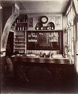 Eugène Atget, Marchand de vin, rue Boyer, 20e arr., 1910/11-eorge Eastman House Collection, Rochester, NY   Le Musée Virtuel du Vin - The Virtual Wine Museum