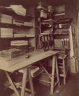 Eugène Atget, son cabinet de travail, 17 bis rue Campagne-Première, 14e arr., 1910 - Musée Carnavalet, Paris | Le Musée Virtuel du Vin - The Virtual Wine Museum