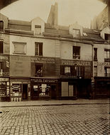 Eugène Atget, 15 rue du Faubourg Saint-Antoine, 11e arr., 1909 - Musée Carnavalet, Paris | Le Musée Virtuel du Vin - The Virtual Wine Museum