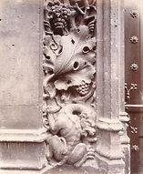 Eugène Atget, Porte d'entrée du musée de Cluny, détail, 24 rue du Sommerard, 5e arr., 1902 - Musée Carnavalet, Paris   Le Musée Virtuel du Vin - The Virtual Wine Museum