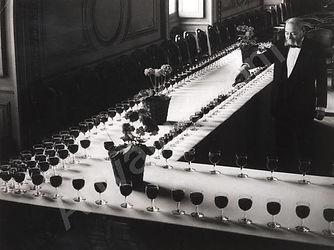 Brassaï : in d'honneur au Palais des ducs, Djon (1936)