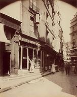 """Eugène Atget, Cabaret """"L'Ange gardien"""", 9 rue Pirouette, 1er arr., 1907 - BnF, Paris   Le Musée Virtuel du Vin - The Virtual Wine Museum"""