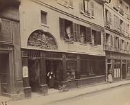 """Eugène Atget, """"Au Soleil d'Or"""",  84 rue St Sauveur, 2e arr., 1899 - Musée Carnavalet, Paris   Le Musée Virtuel du Vin - The Virtual Wine Museum"""