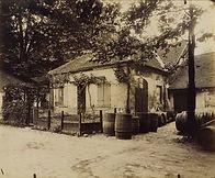 Eugène Atget, Halle aux vins des entrepôts de Bercy, cour Saint-Julien, 12e arr., 1913 - Musée Carnavalet, Paris   Le Musée Virtuel du Vin - The Virtual Wine Museum