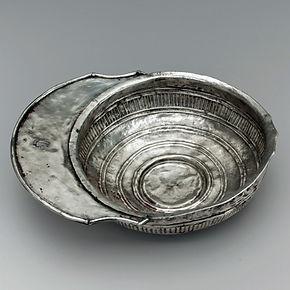 Bol à boire en argent et avec poignée - The Metropolitan Museum of Art, New York