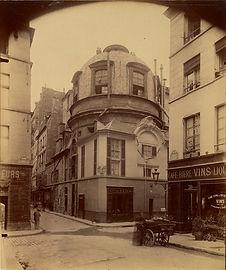 1200px-Eugène_Atget,_The_Old_School_of_M