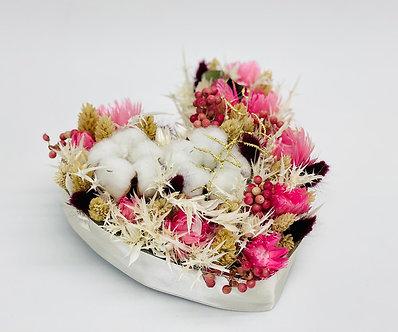 Herz mit Trockenblumen