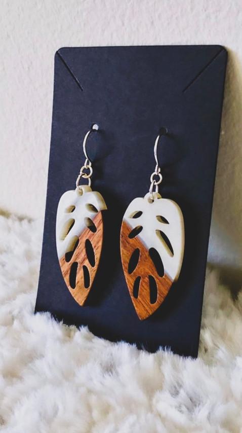 Wood & Pearl Resin Elliptical Leaf Pendant Earrings