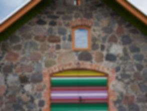 Maakivi hoone taastamine lubi vuukimine ladumine