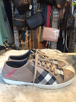 Burberry House Check Low Top Sneakers