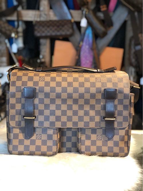 Louis Vuitton Damier Ébène Broadway Messenger Bags