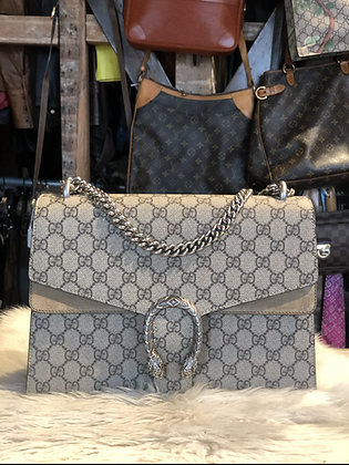Gucci GG Supreme Medium Dionysus Bag