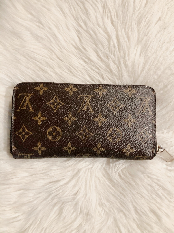 Thumbnail: Louis Vuitton Monogram Zippy Wallet