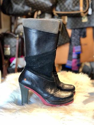 The Art Company Boots