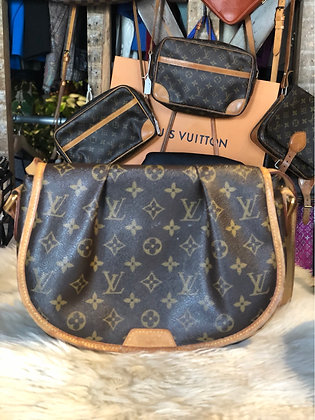Louis Vuitton Monogram Ménilmontant PM