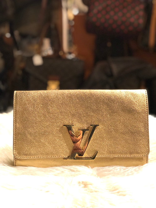 Louis Vuitton Leather Louise Clutch