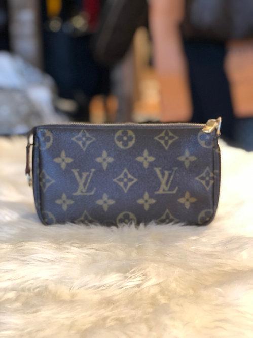 Louis Vuitton Monogram Mini Pochette