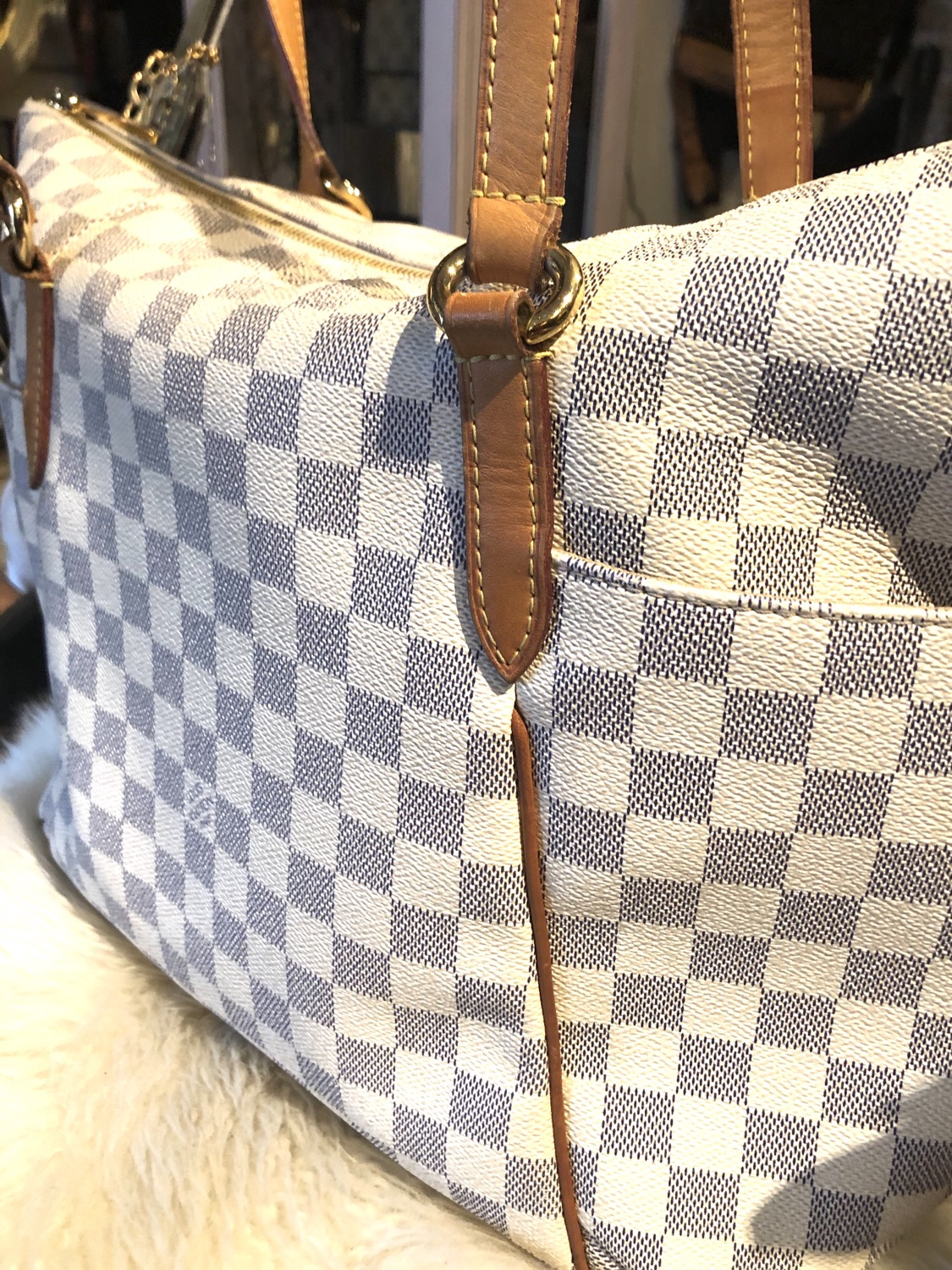 Thumbnail: Louis Vuitton Damier Azur Totally MM