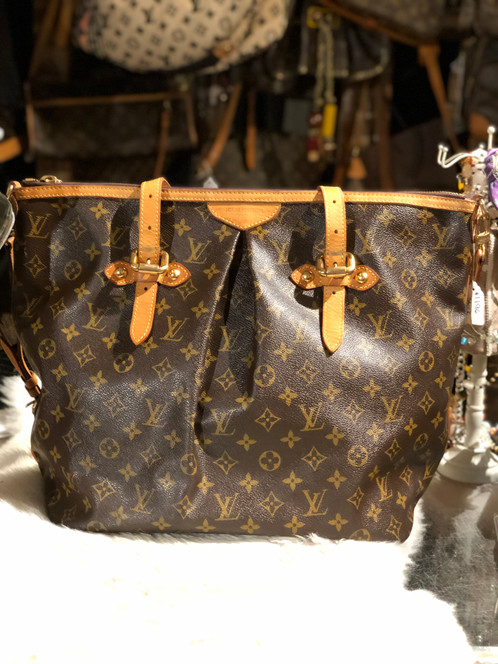 ce166dd997 Est. Retail C$2,664.41 Brown and tan monogram coated canvas Louis Vuitton Palermo  GM with brass hardware, tan vachetta leather trim, dual flat top handles,  ...