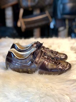 Louis Vuitton Monogram Low-Top Sneakers (Kids)