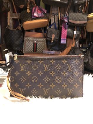 Louis Vuitton Monogram Neverfull Pochette