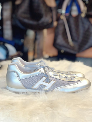 Hogan Low-Top Sneakers