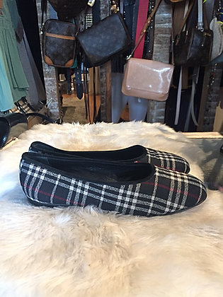 Burberry flat shoe