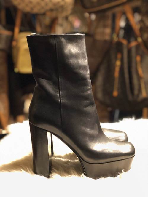 Gucci Leather Platform Ankle Boots