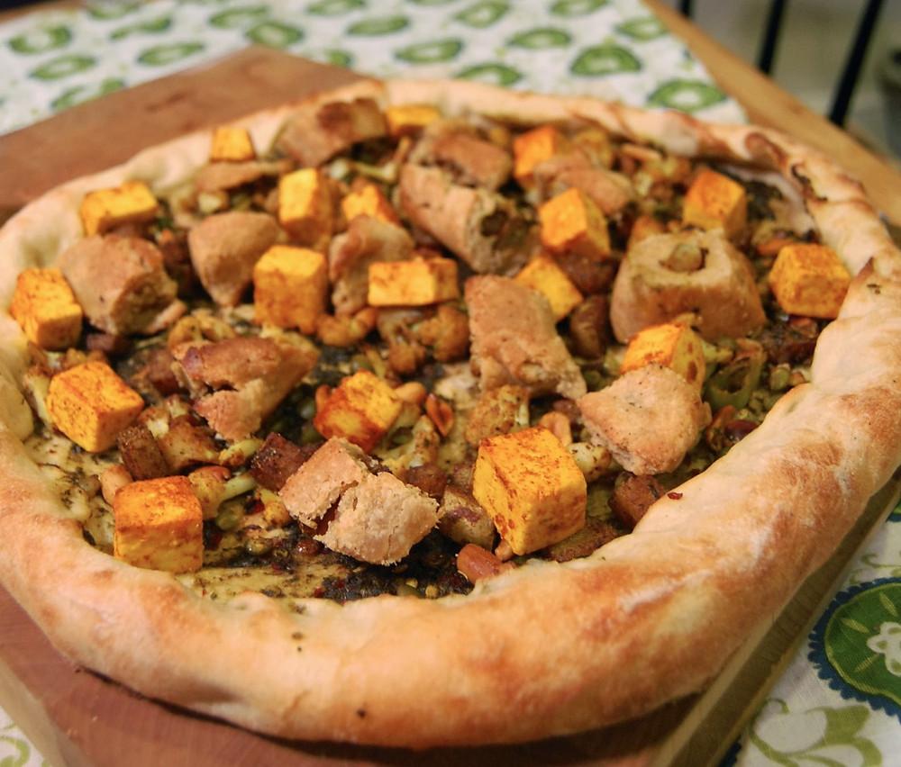 Samosa pizza