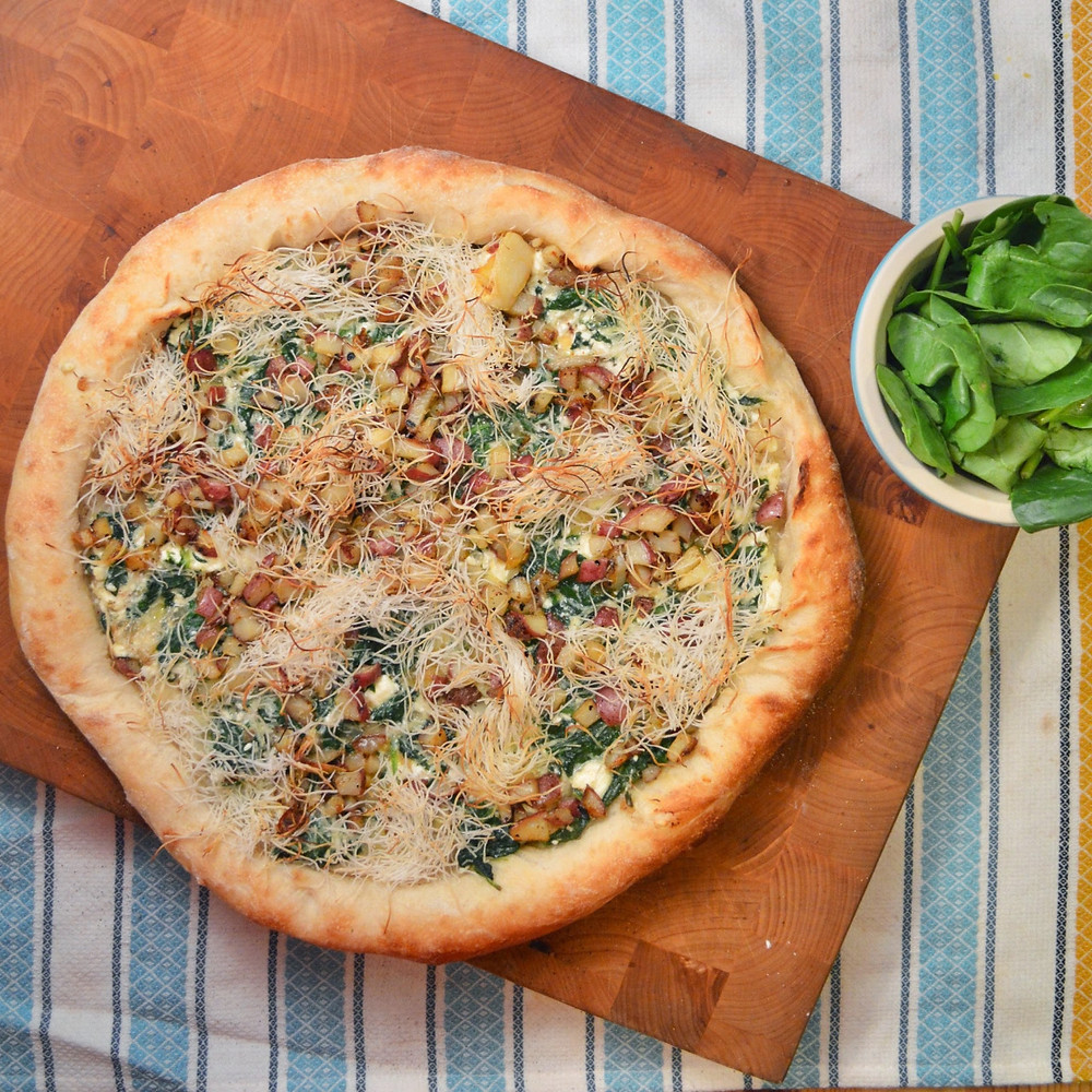 Spanakopita pizza