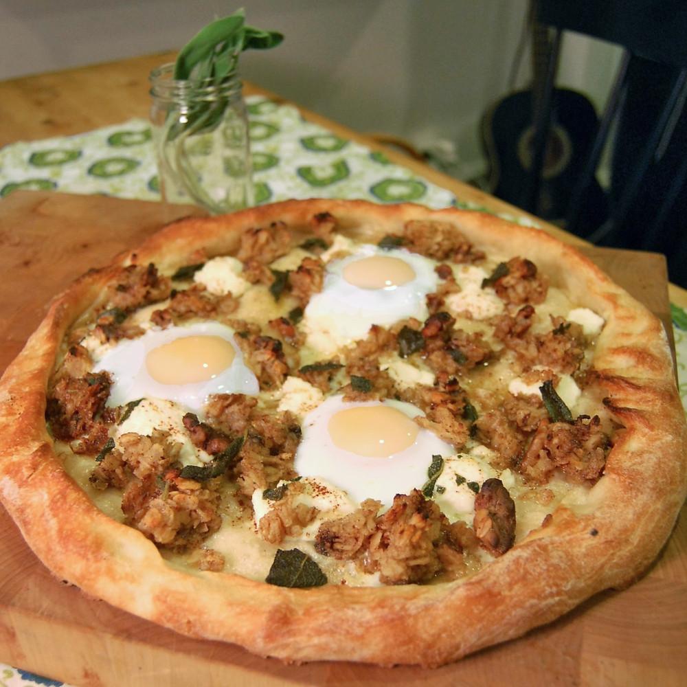 Baked oatmeal & egg pizza