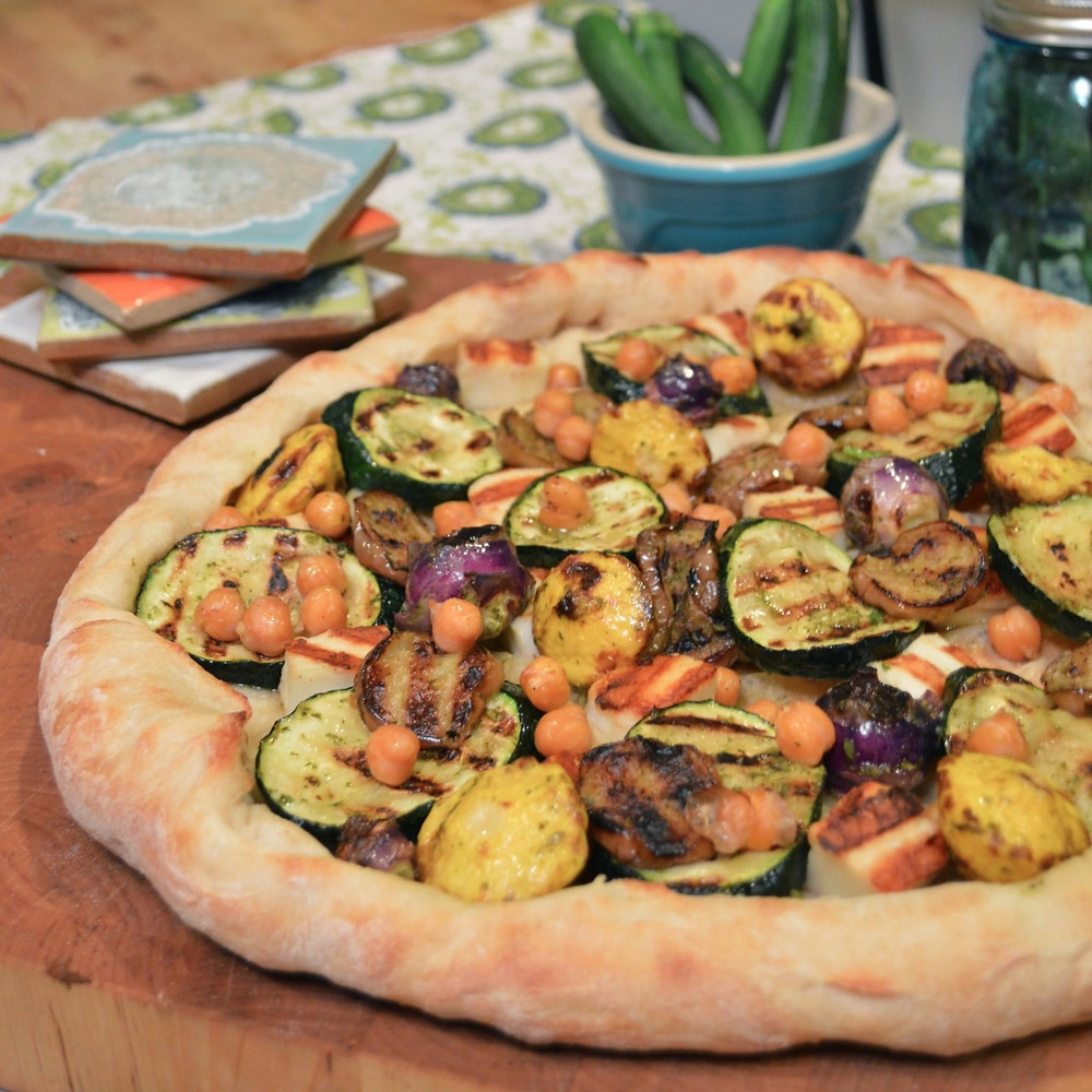 Grilled summer veggie & halloumi pizza