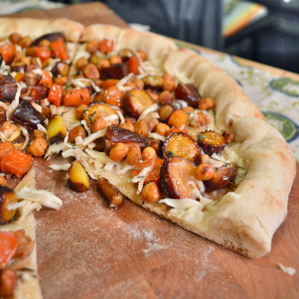 Whiskey-glazed carrot, date & thyme pizza