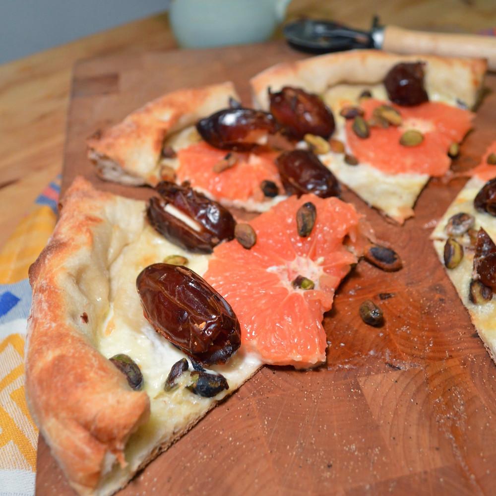 Grapefruit & stuffed date pizza
