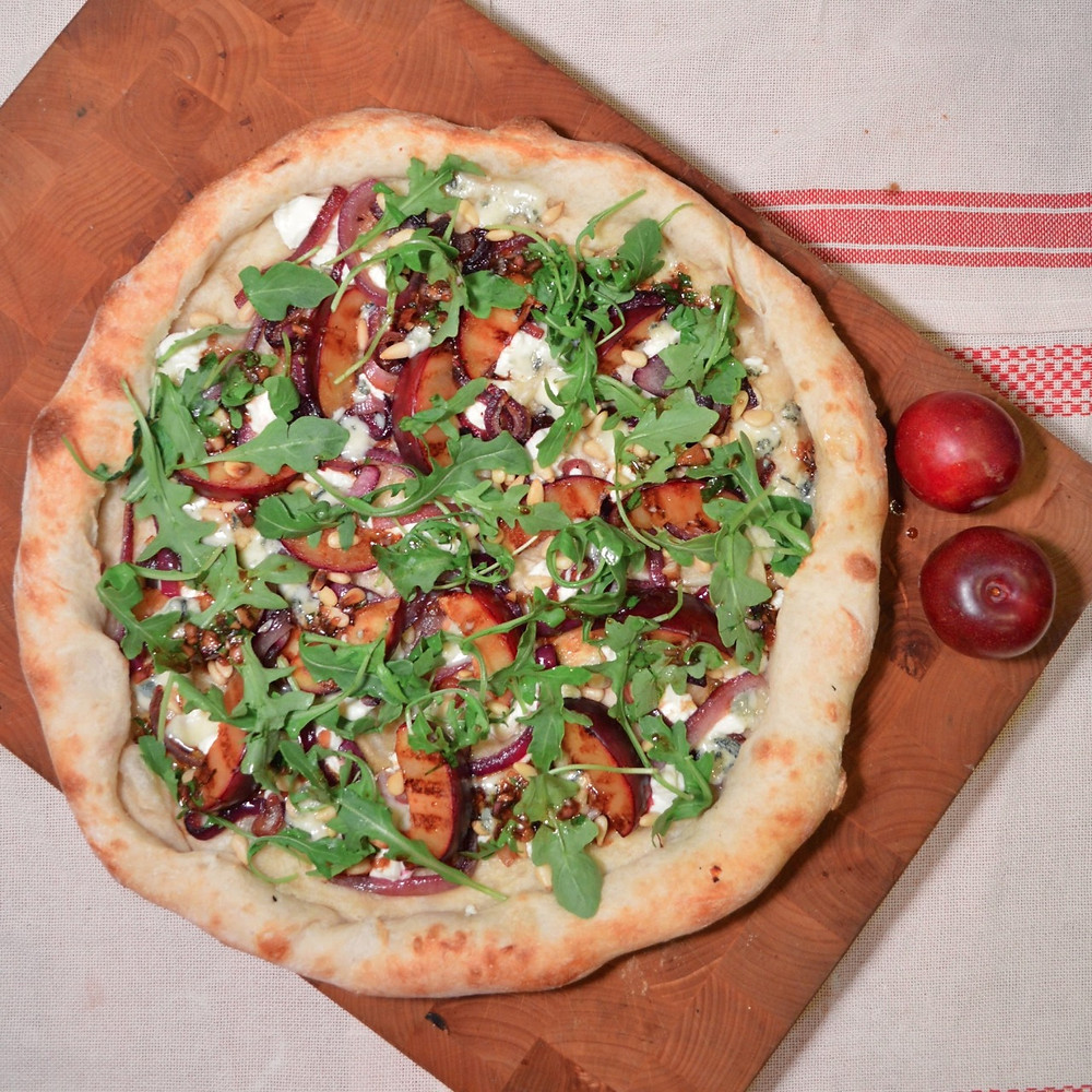 Grilled plums & goat cheese pizza