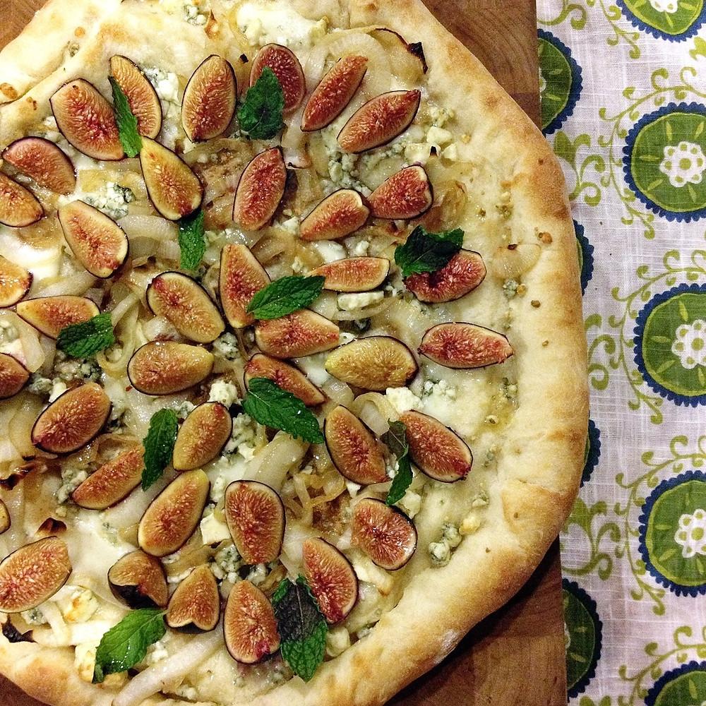 Fresh fig & mint pizza