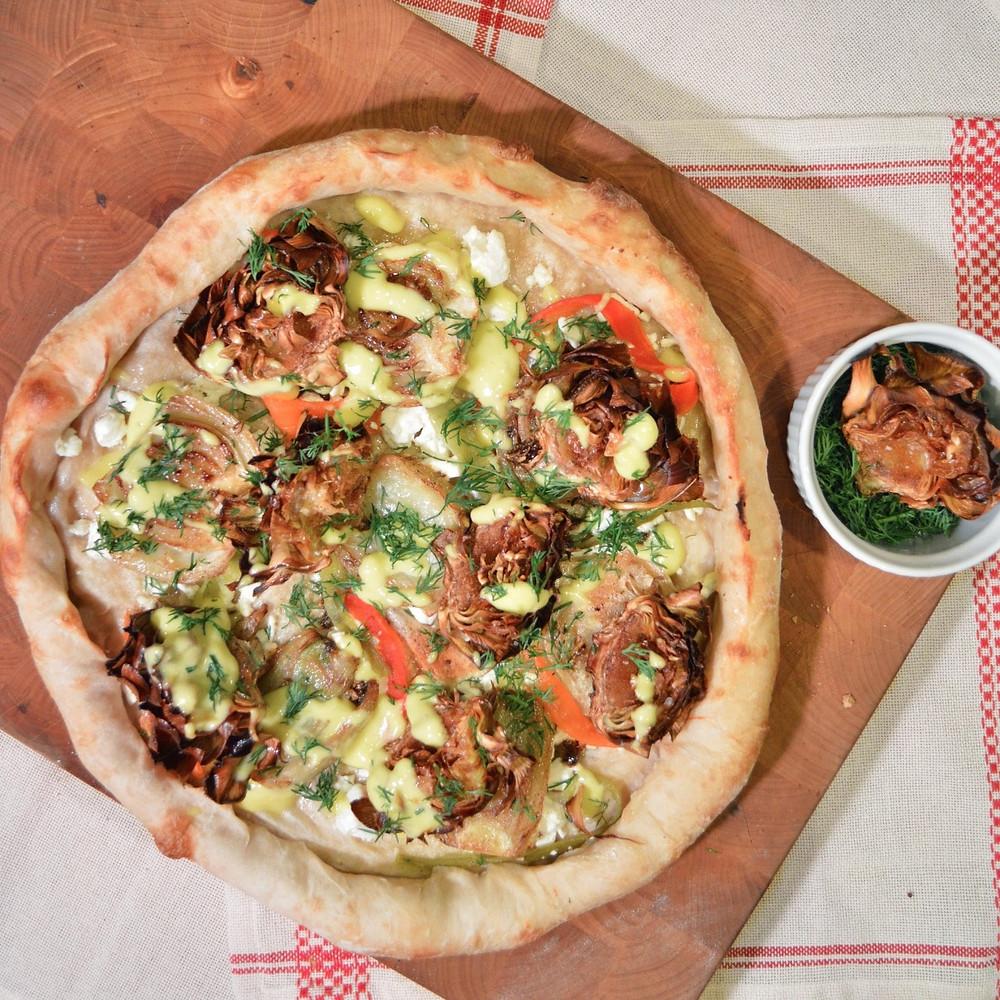 Fried artichoke & caramelized fennel pizza