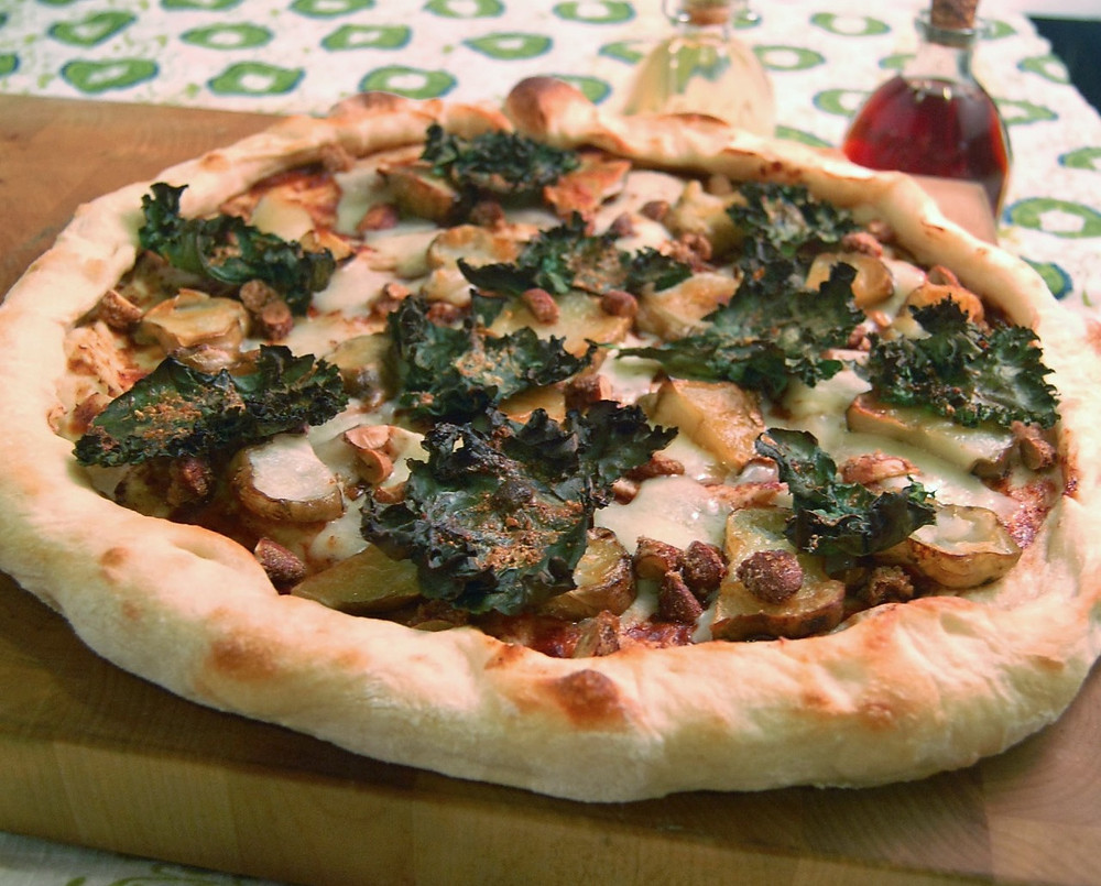 Jerusalem artichoke, plum chutney & kale pizza