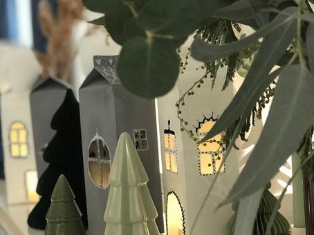 Weihnacht-Städtchen aus Milchtüten basteln