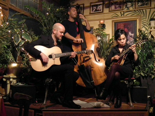 Swing Train 42 Live at Le Quecumbar