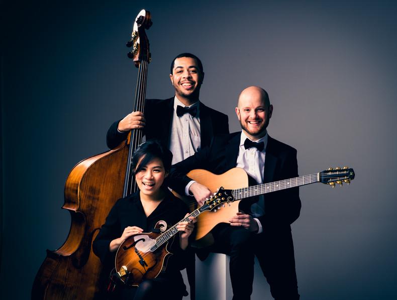 Swing Train 42 Elegant gypsy jazz trio