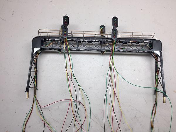 32 wires.JPG