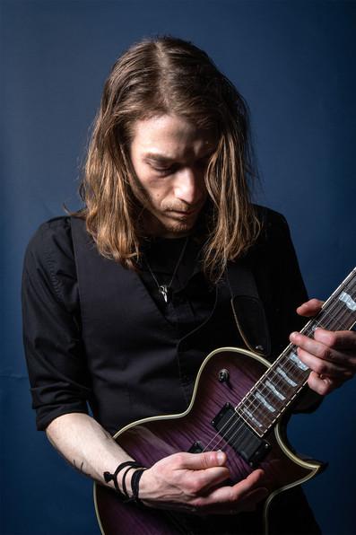 ant &guitar.jpg